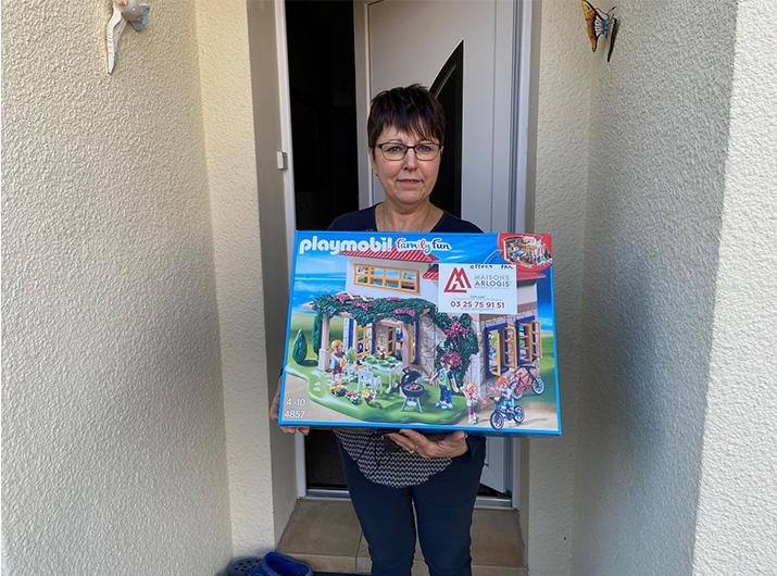 Heureuse gagnante de la maison Playmobil