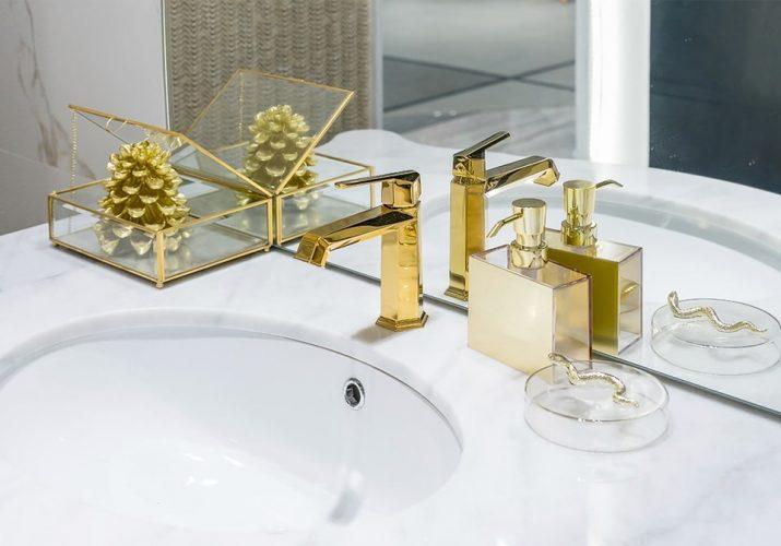 Tendances salle de bain 2021, le doré